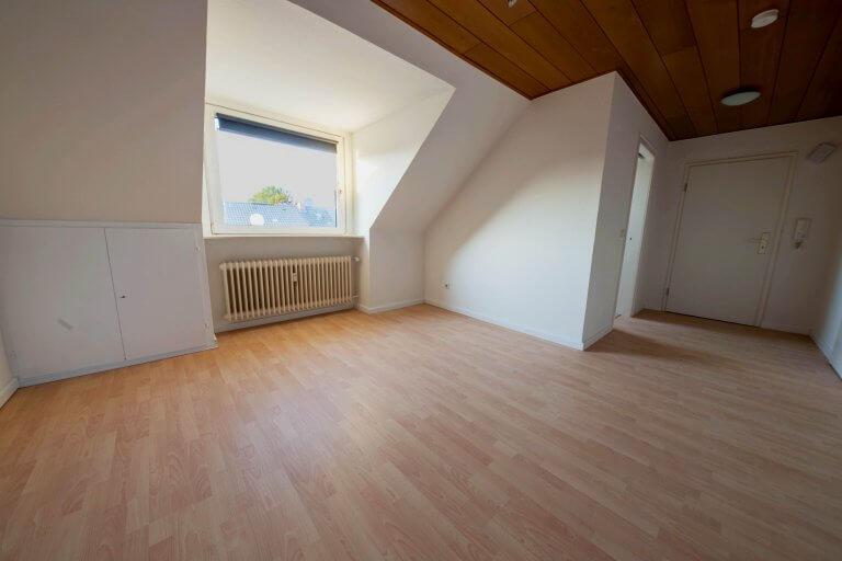 Dachgeschosswohnung in Baesweiler zu vermieten!
