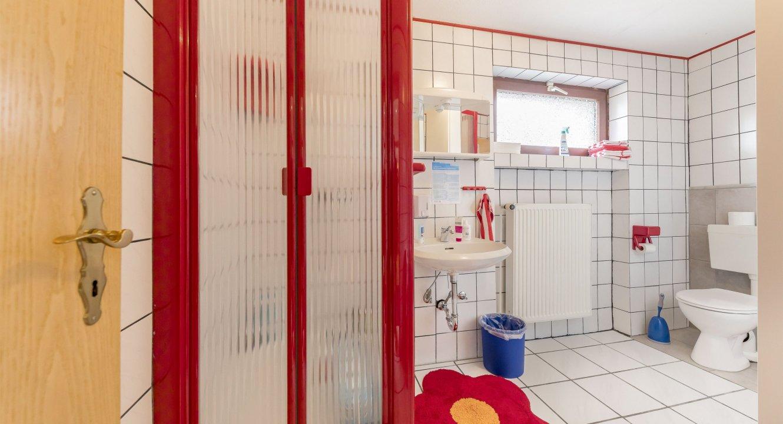 Gewerbe-Badezimmer