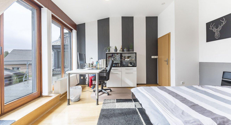 Haus-OG-Zimmer2-b