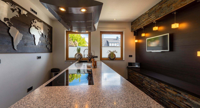 KücheDesigner-Haus-Setterich-Immobilienmakler-Koch-Immobilien