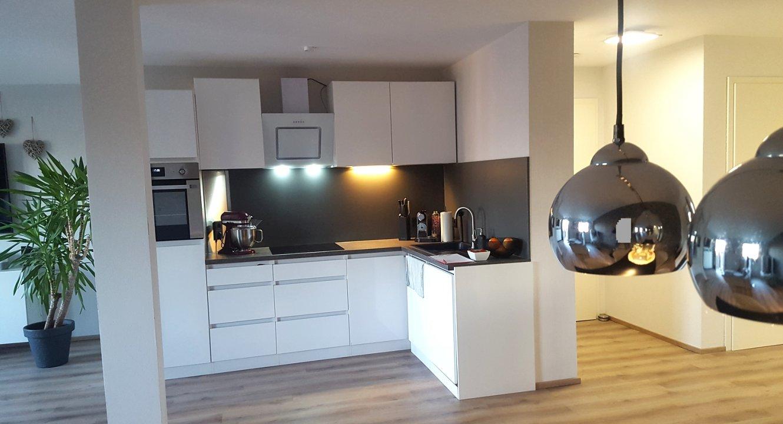 Küchenbereich mit Eingangsflur