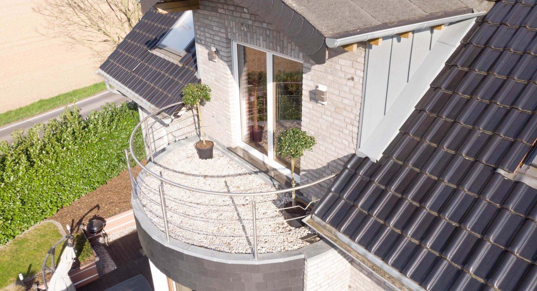 Balkon-Designer-Haus-Setterich-Immobilienmakler-Koch-Immobilien